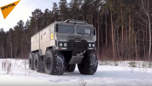Nové off-roadové arktické vozidlo na misi za dobytím severního pólu - Sputnik Česká republika