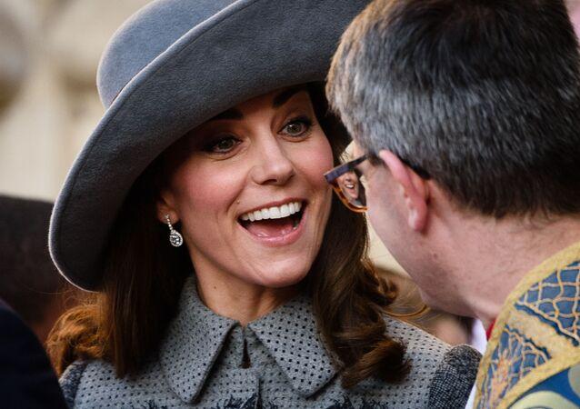 Vévodkyně z Cambridge Catherine u Westminsterského opatství