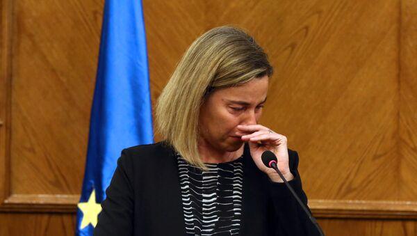 Federica Mogheriniová nedokázala zadržet slzy během svého projevu, když se přítomní dozvěděli o explozích v Bruselu - Sputnik Česká republika