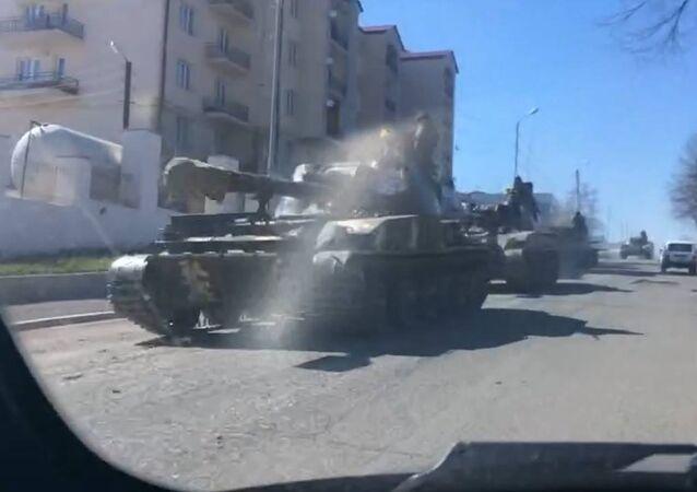 Tanky na linii dotyku v Náhorním Karabachu