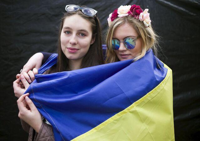 Ukrajinky během mítinku na podporu referendu o asociaci EU s Ukrajinou