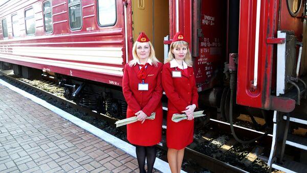 První osobní vlak v DLR, směřující k ruské hranici - Sputnik Česká republika