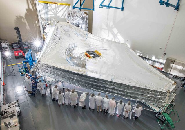 Teleskop James Webb Space Telescope (JWST)