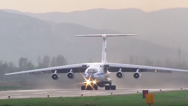 Letoun An-124-100 Ruslan převáží vrtulníky Mi-8AMTŠ Terminator do Tádžikistánu - Sputnik Česká republika