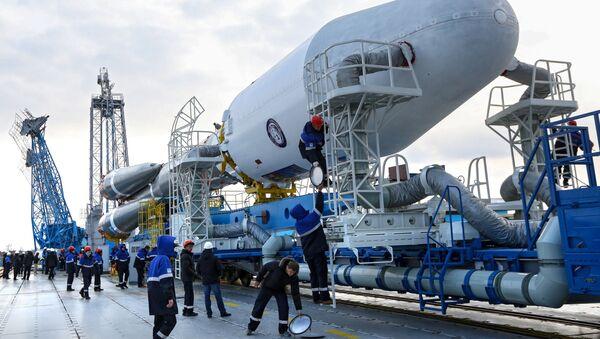Na kosmodromu Vostočnyj byla postavena raketa pro první start - Sputnik Česká republika