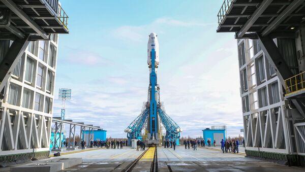 Raketa Sojuz-2.1a je připravena ke startu z kosmodromu Vostočnyj - Sputnik Česká republika