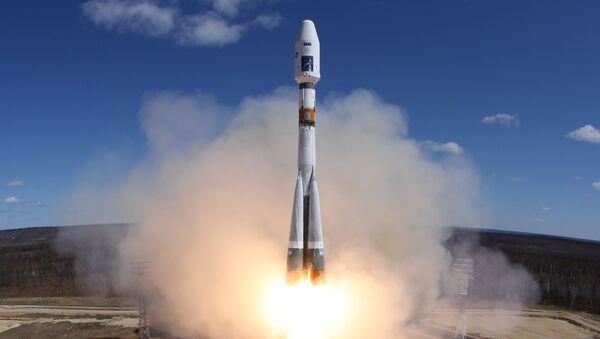 Raketa společnosti Roskosmos během startu. Ilustrační foto - Sputnik Česká republika