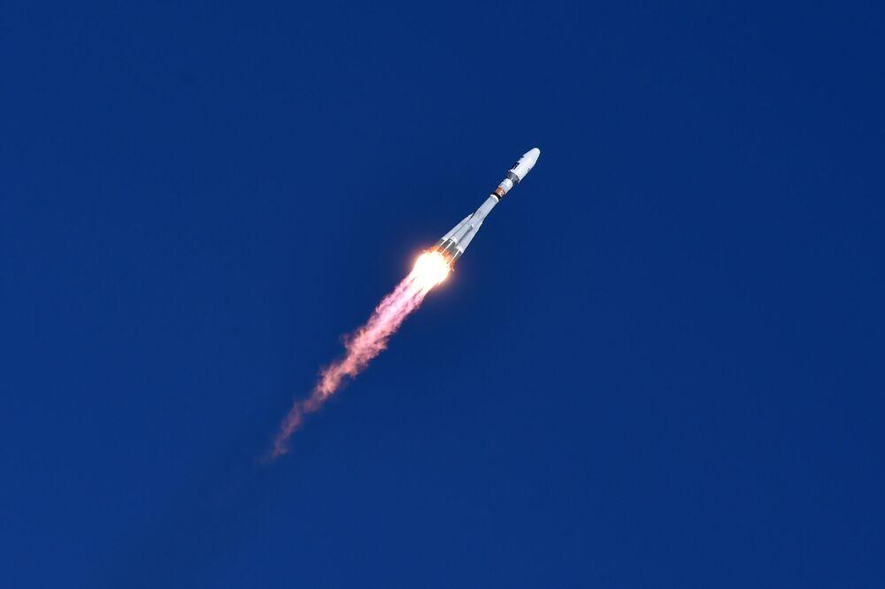 První start nosné rakety z kosmodromu Vostočnyj