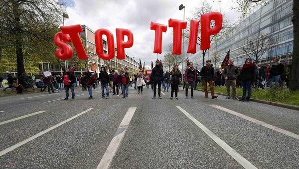 Akce proti TTIP v Hannoveru - Sputnik Česká republika