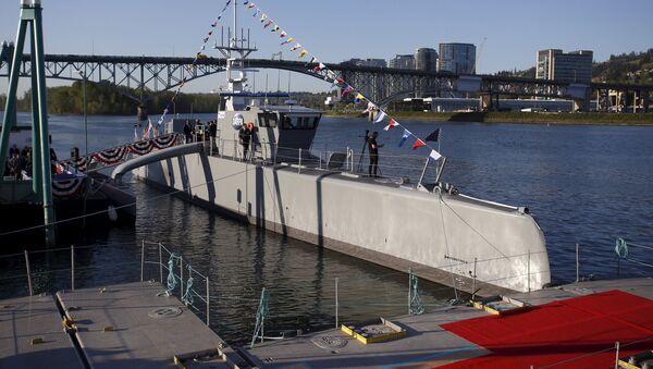 Američtí vojáci zahájili zkoušky bezpilotní lodě Sea Hunter - Sputnik Česká republika