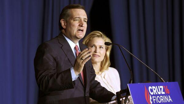 Ted Cruz s manželkou - Sputnik Česká republika