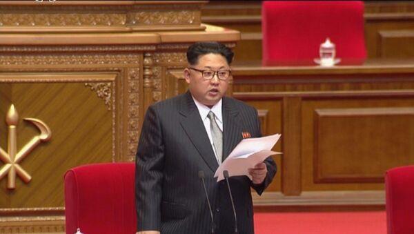 Kim Čong–un v evropském obleku - Sputnik Česká republika