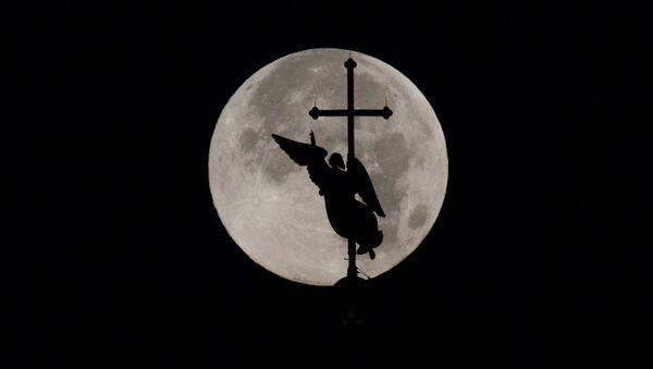 Měsíc v úplňku, Petrohrad - Sputnik Česká republika