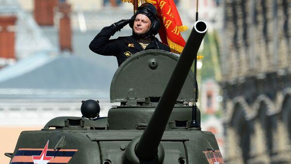 Tank T-34-85 během přehlídky Vítězství v Moskvě - Sputnik Česká republika