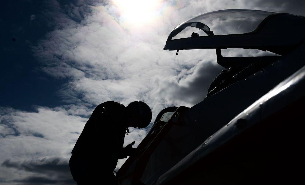 Příprava vzdušné části přehlídky Vítězství