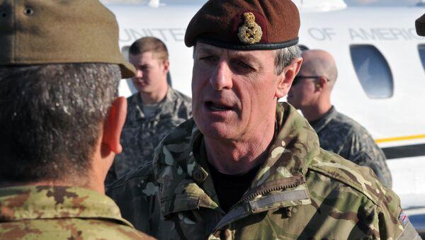 Britský generál Sir Richard Shirreff - Sputnik Česká republika