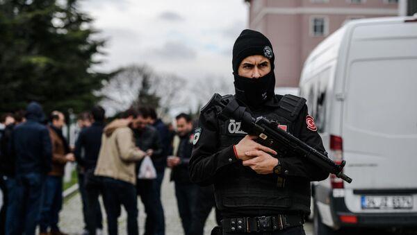 Turecký policista - Sputnik Česká republika