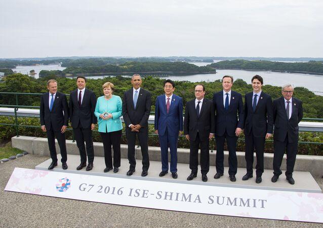 Představitelé států G7