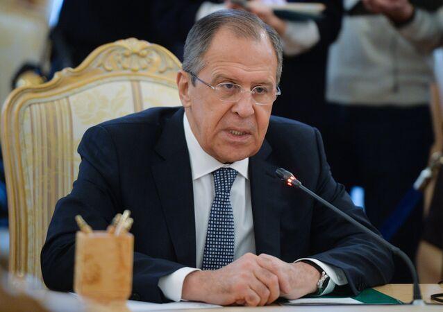 Sergej Lavrov na setkání se srbským ministrem zahraničí v Moskvě