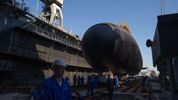 Spouštění ponorky Kolpino na vodu - Sputnik Česká republika