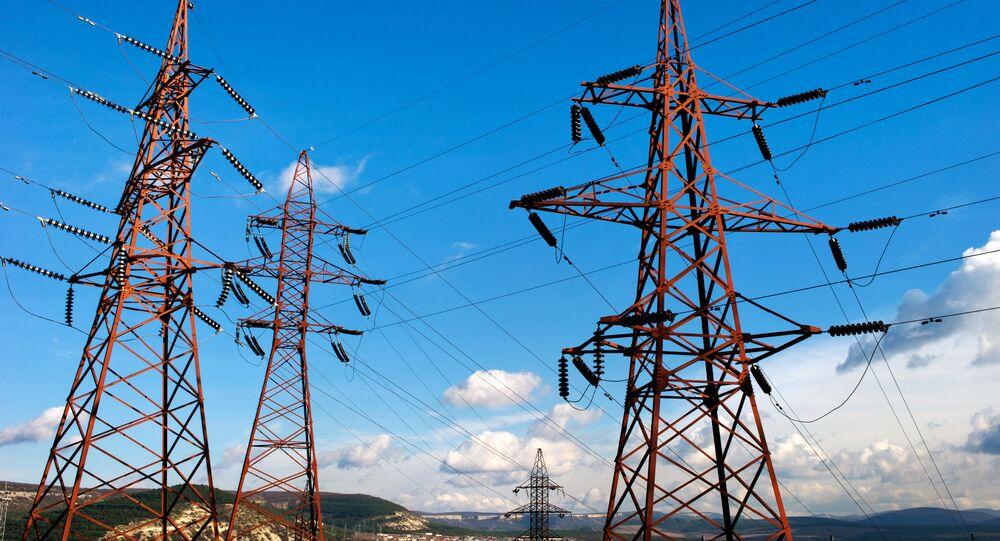 Elektrické vedení podél trasy Simferopol-Sevastopol