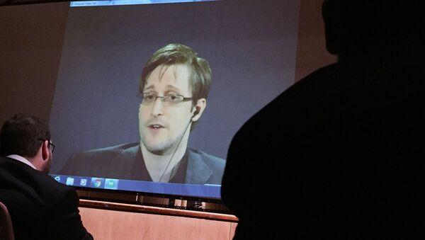Edward Snowden - Sputnik Česká republika