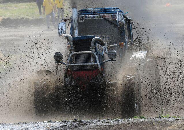 Mezinárodní traktorové závody  Bizon-Track-Show 2016