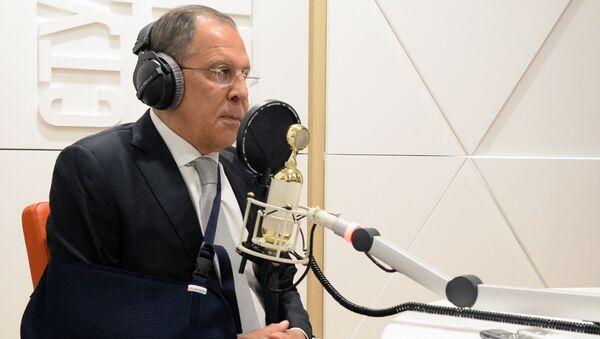 Serje Lavrov v éteru Sputniku - Sputnik Česká republika