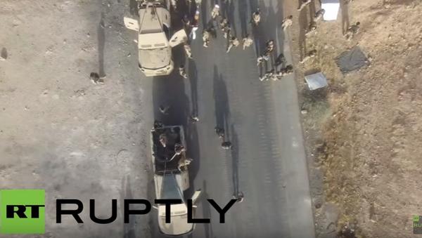 Sýrie: Dron ukazuje syrskou armádu, jak postupuje směrem na Rakku - Sputnik Česká republika