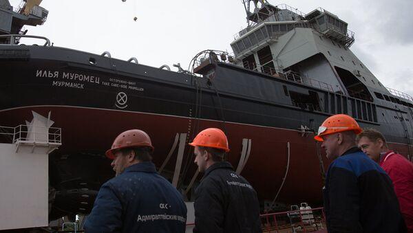 V Petrohradě byl spuštěn na vodu ledoborec nové generace Ilja Muromec - Sputnik Česká republika