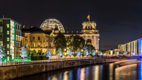 Pohled na Reichstag v Berlínu - Sputnik Česká republika