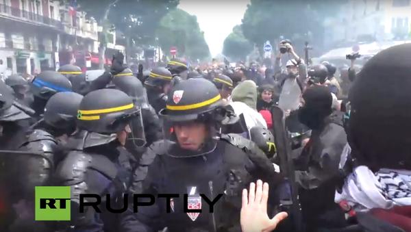 Generální stávka proti reformě pracovního trhu v Paříži - Sputnik Česká republika