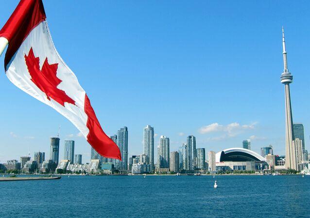 Pohled na CN Tower v kanadském Torontu
