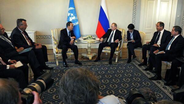 Beseda ruského prezidenta Vladimira Putina s generálním tajemníkem OSN Pan Ki-munem - Sputnik Česká republika