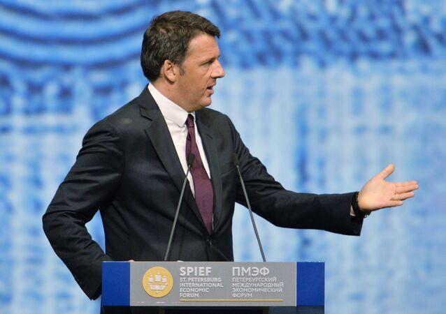 Matteo Renzi na plenárním zasedání Petrohradského mezinárodního ekonomického fóra