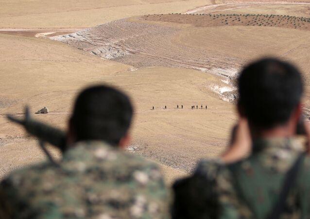 Syrské demokratické síly (SDF) v Manbidži, Sýrie