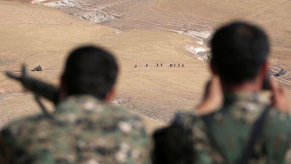 Syrské demokratické síly (SDF) v Manbidži, Sýrie - Sputnik Česká republika