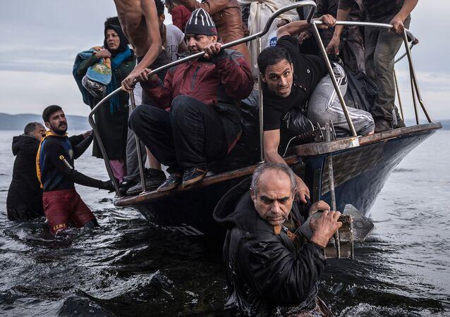 Uprchlíci ze Sýrie přijíždějí na řecký ostrov Lesbos