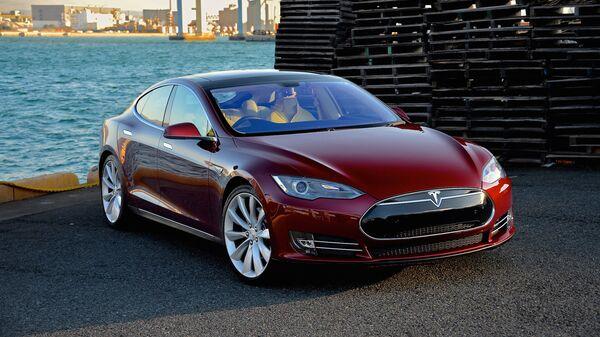 Elektromobil Tesla Model S - Sputnik Česká republika