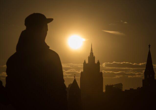 Pohled na budovu MZV RF a kreml