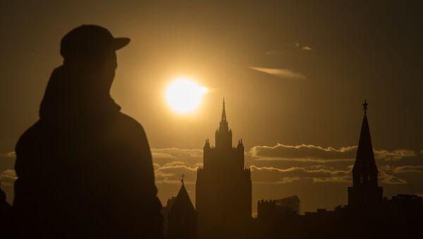 Pohled na budovu MZV RF a kreml - Sputnik Česká republika