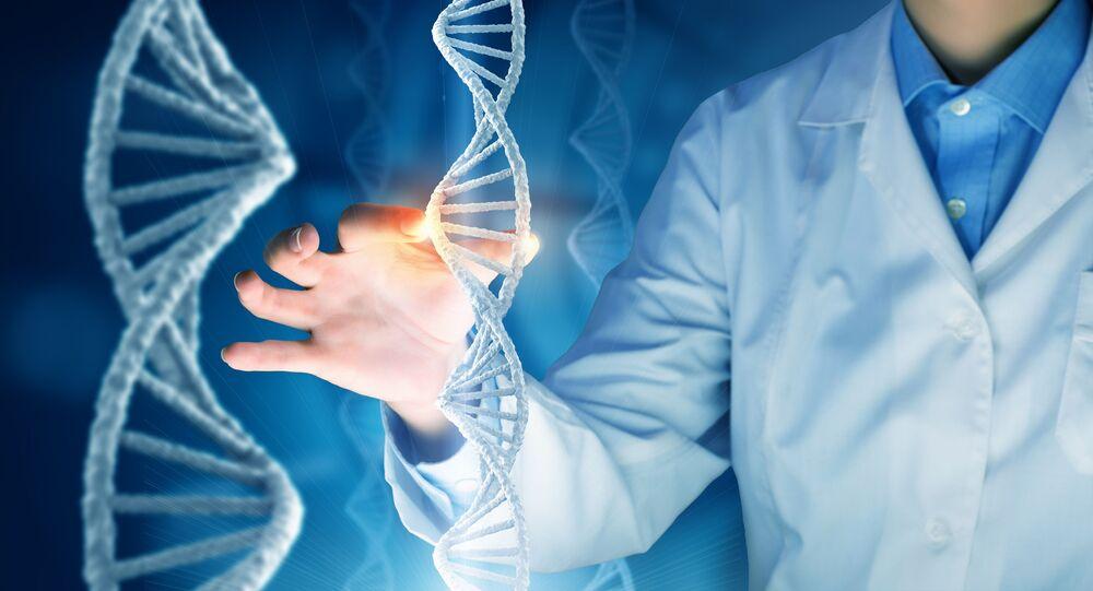Vědec a molekuly DNK