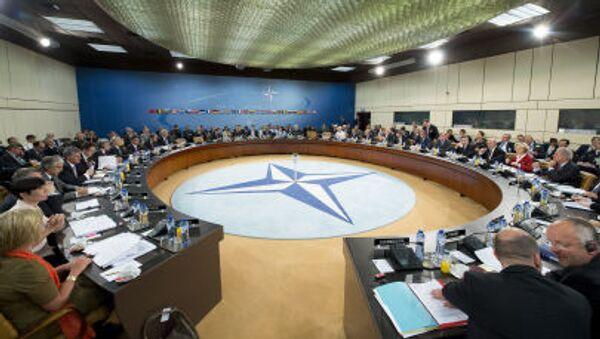 Zasedání ministrů obrany NATO v Bruselu - Sputnik Česká republika