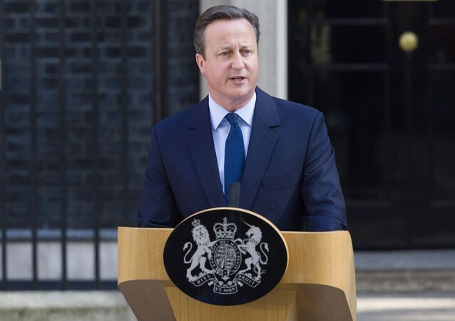 David Cameron  oznámil svou demisi