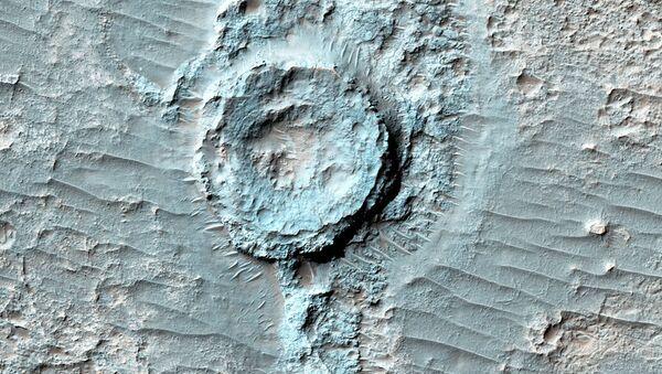 Neobvyklý reliéf připomínající převracený kráter na Marsu - Sputnik Česká republika