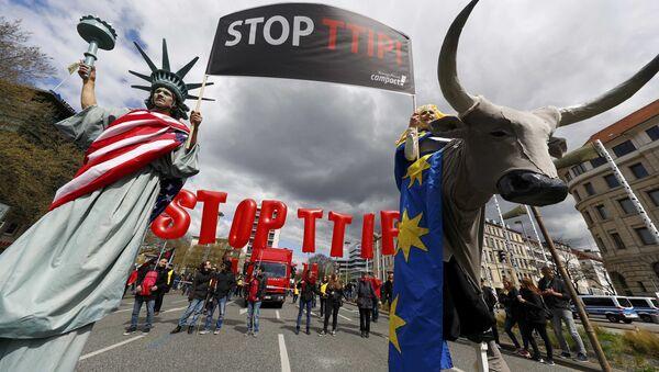 Mítink proti TTIP - Sputnik Česká republika