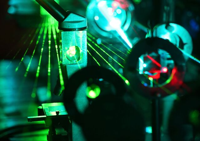 Laser v laboratoři