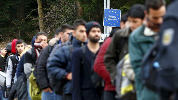 Migranti na rakousko-německé hranici - Sputnik Česká republika