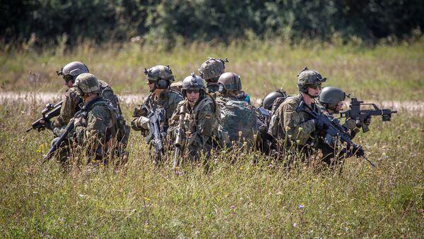 Němečtí vojáci během cvičení Swift Response 2015 - Sputnik Česká republika
