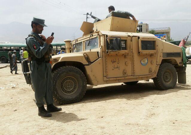 Afghánská policie na místě výbuchu